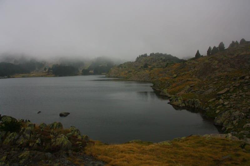 Un temps couvert, un lac peu agité, de bonnes conditions pour la nymphe au fil horizontale.